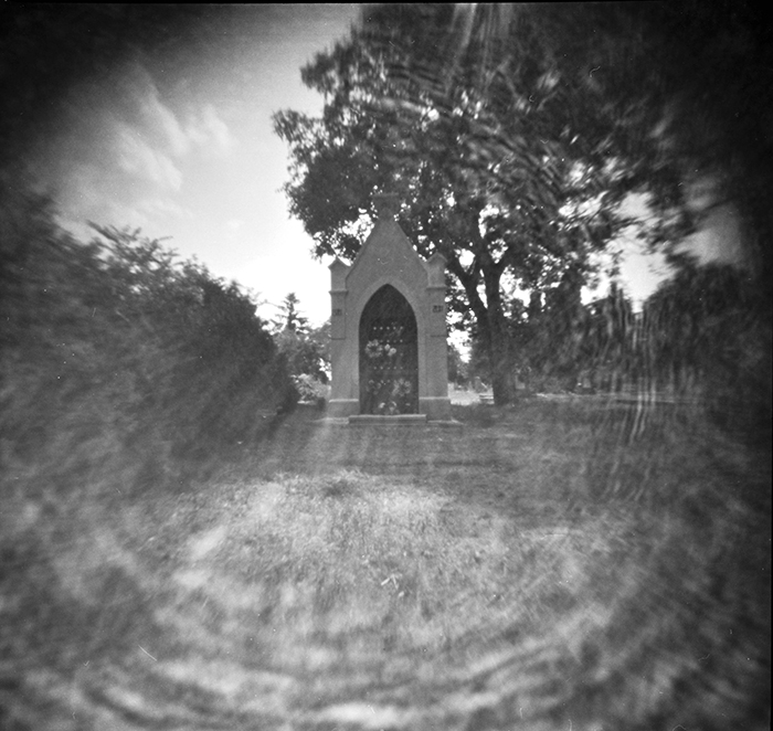 Pinhole The old cemetery 3