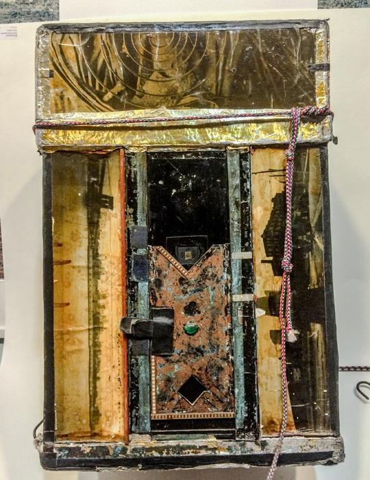 x-pinhole-Large-One-Half-Cylinder-Camera