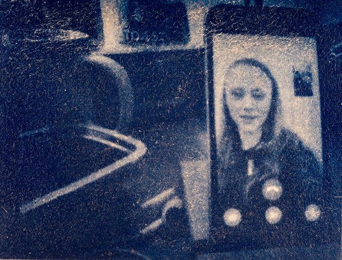 Guyaux-Olivier-Belgium-FaceTime-with-Megan-during-lockdown-pinhole