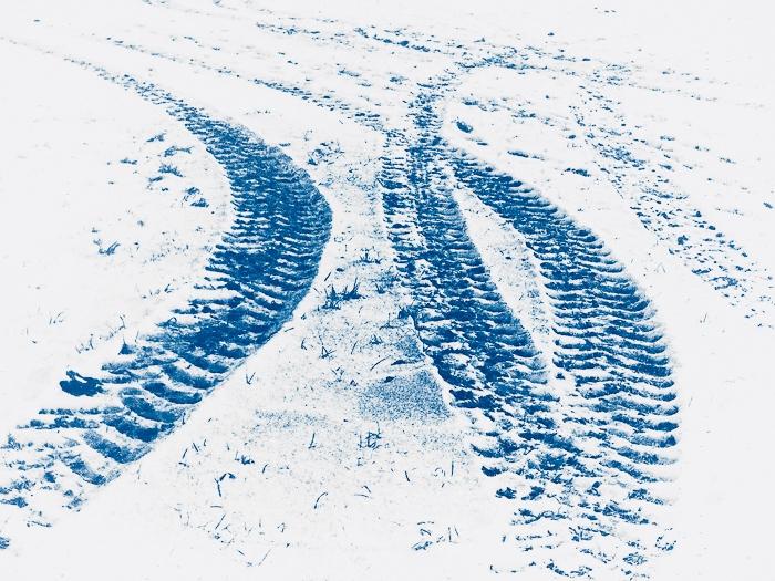 Jean-Daubas-France-Interconnected-tracks-in-snow