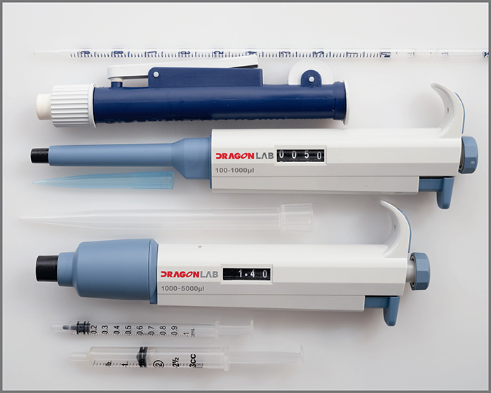 Pipettes and syringes for measuring drop sizes
